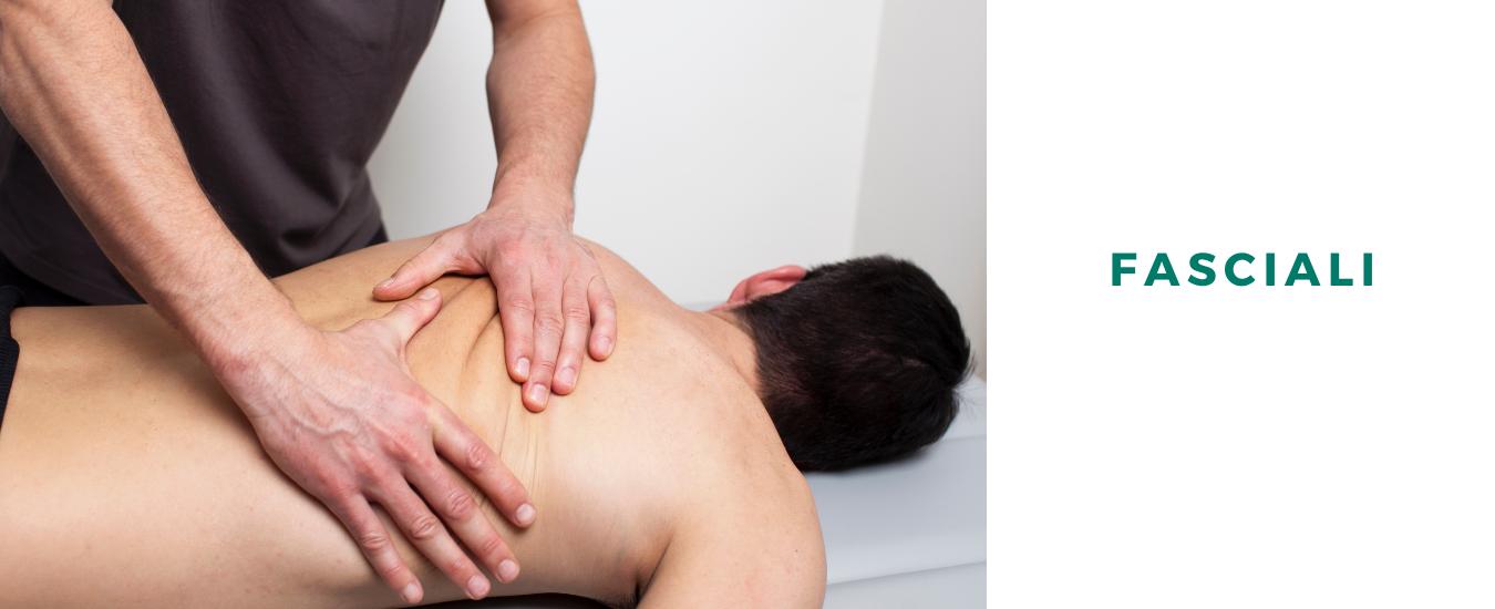 osteopata-osteopatia-trattamenti-mal-schiena-muscoli-spalle-gambe-ginocchia-medicina-osteopatica-salute-applicazioni-fasciali